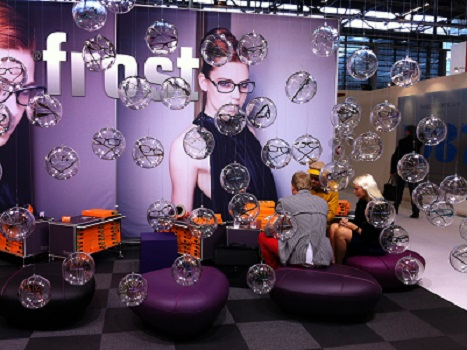 frost trade show1(J)